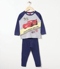 Pijama longo infantil      Gola redonda e manga raglan      Com estampa do McQueen      Marca: Carros      Tecido: algodão           COLEÇÃO VERÃO 2017         Veja mais opções de   produtos Carros.