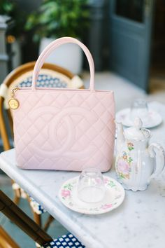Pink Gingham in Paris | spring fashion | spring style | how to style Gingham | fashion for spring | style ideas for spring | warm weather fashion | fashion tips for spring || a lonestar state of southern
