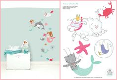 MERMAID 'PETS' WALL STICKER  Turn your little girl's room into a underwater world with this sweet wall stickers of Lotje, Dottie and Pip as mermaid. Add also the wall stickers of mermaid Lisa and Lilly to make the story complete or combine it with the Lisa & Lilly mermaid wallpaper. Use them on the wall or decorate a linen closet, commode or room door with this sweet sticker. The wall stickers are made ​​from high quality matte vinyl and are very easy to apply.