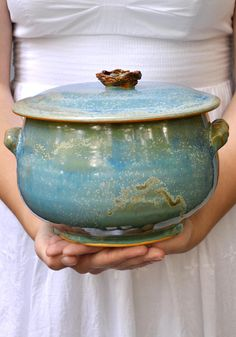 Lee Wolfe Pottery — wheel thrown ceramic casserole Birds Nest