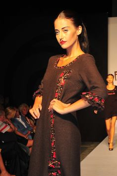 Pazenchi Women Wear, Sari, How To Wear, Dresses, Fashion, Saree, Vestidos, Moda, Fashion Styles