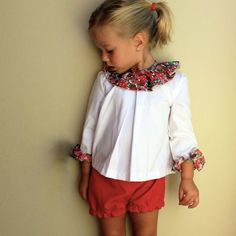 Floral collar and cuffs