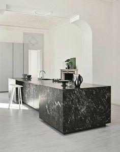Modern Kitchen Interior Marmo Grey Saint Laurent_Laccato Cenere - Cesar has redesigned its Elle kitchen Home Decor Kitchen, Interior, Kitchen Design Trends, Modern Marble Kitchen, Kitchen Remodel, Kitchen Decor, Modern Kitchen Design, Kitchen Renovation, Kitchen Design