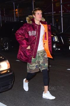 Justin Bieber Wearing Supreme Jacket, FOG Camo Shorts and Nike Sneakers Justin Bieber Outfits, Justin Bieber ファッション, Justin Bieber Style, Justin Bieber Photos, 1950s Jacket Mens, Cargo Jacket Mens, Green Cargo Jacket, Grey Bomber Jacket, Leather Jacket