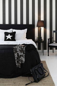 dormitorio blanco y negro. Black and white Bedroom.