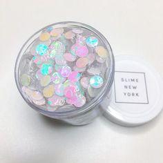 slime new york Diy Crafts Slime, Slime Craft, Mason Jar Crafts, Mason Jar Diy, Slimy Slime, Fruit Slime, Pretty Slime, Chalk Paint Mason Jars, Slime And Squishy
