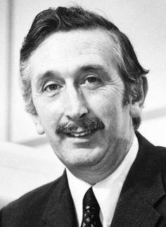 Sir Godfrey N. Hounsfield, EMI, la tomografía axial computarizada (TAC), los Beatles y mister Derek
