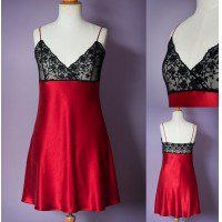 Pin for Free Lingerie Pattern is for a luxurious slip with a bias cut skirt and lace bodice. It is a quick and easy to make and is a great project to start sewing lace and bias cut garments. Lingerie Patterns, Sewing Lingerie, Clothing Patterns, Dress Patterns, Lace Patterns, Sewing Patterns Free, Free Sewing, Free Pattern, Sewing Tutorials