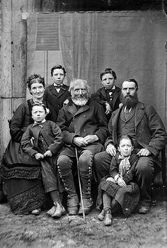 Jones family, Pentre Trewyn (1878)    Teitl Cymraeg/Welsh title: Teulu Jones, Pentre Trewyn (1878)  Ffotograffydd/Photographer: John Thomas (1838-1905)  Dyddiad/Date: [ca. 1878]  Cyfrwng/Medium: Negydd gwydr / Glass negative  Maint/Dimensions: 11 x 16.5 cm.  Cyfeiriad/Reference:jth02978  Rhif cofnod / Record no.: 3363918