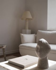 Eclectic minimalistic interiors by Claes Juhlin