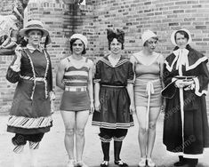 Vintage Bathing Suits, Vintage Swimsuits, Vintage Bikini, Suits Show, Vintage Outfits, Vintage Fashion, Bathing Beauties, Female Poses, Fashion History