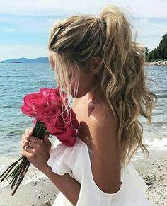 Wavy ponytail #gorgeoushair https://www.facebook.com/shorthaircutstyles/posts/1720071531616620