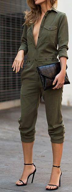 Combinaison uni des boutons de la mode à long mince vert armée