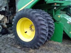 John Deere 9770 combine salvaged for used parts. This unit is available at All States Ag Parts in Black Creek, WI. Call 877-530-2010 parts. Unit ID#: EQ-23566. The photo depicts the equipment in the condition it arrived at our salvage yard. Parts shown may or may not still be available. http://www.TractorPartsASAP.com