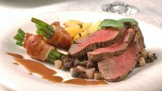 Helstekt indrefilet Steak, Plating, Food, Drinks, Gourmet, Drinking, Beverages, Drink, Meals