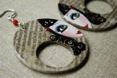 Pendientes pintados a mano sobre papel con detalle de cristal swaroski, cuentas de cristal de bohemia y pasantes de plata de ley.Medida area pintada: 5 cms. diametro
