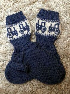 Knitting Socks, Baby Knitting, Best Baby Socks, Baby Barn, Knit Baby Dress, Crafts To Do, Mittens, Knit Crochet, Knitting Patterns
