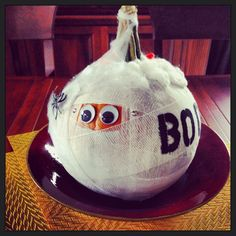 Are you looking for some creative and different pumpkin decorating ideas? Here are some that I have found.