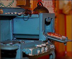 miniature stove from Nutshell Studies kitchen scene