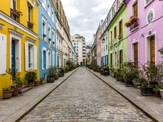 With gilded history reflected across so many arrondissements in Paris, here are 25 places that are among the most beautiful in the city.