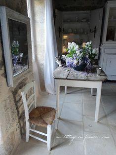 Séraphin et le bouquet cottage lilas blanc ( Seraphin and the cottage lilac arrangement)