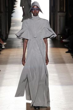 Vivienne Westwood Spring 2015 Ready-to-Wear Fashion Show: Runway Review - Style.com