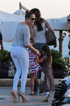 Jennifer Lopez always makes shades look chic