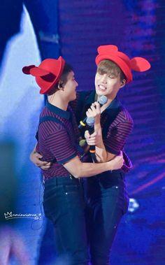Essa foto é dedicada as fãs de EXO com o nosso adorável casal KaiSoo