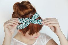 NOTE TO READERS: MEASURE YOUR HEAD BEFORE ATTEMPTING THIS!! I am a petite gal at 5-1 and my head measured 21 inches around, so I made my headband 28 inches*** 10-Minute DIY: Make a Headband Out of Wire + Fabric Scraps via Brit + Co.
