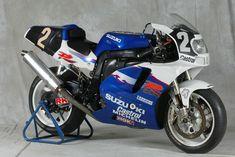 Photos: 33 Years of Suzuki Endurance Road Racing - Asphalt & Rubber Suzuki Motos, Suzuki Bikes, Suzuki Motorcycle, Suzuki Gsx, Racing Motorcycles, Gsxr 750, Racing Team, Road Racing, Dragster