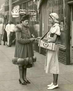 U.S. Beechnut gum girl, 1940s //  Arkell Museum vintage found photo street fashion day wear dress coat hat shoes