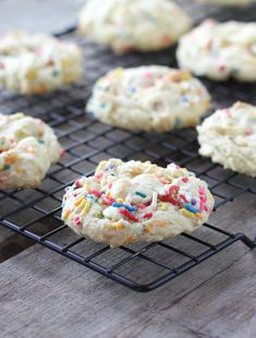 Funfetti Cake Batter Cookies - FoodBabbles.com
