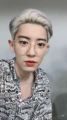 """Chanyeol in specs - an appreciation thread -"" Chanyeol Cute, Park Chanyeol Exo, Baekhyun Chanyeol, Exo K, Kpop, Xiuchen, Exo Ot12, Exo Chanbaek, Chansoo"