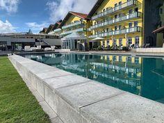 Neuer Naturpool mit einer Länge von 30m im Hotel Angerhof in Bayern!  #leadingsparesorts #leadingspa #wellness #wellnesshotel #wellnessurlaub #angerhof #bayern #auszeit #naturpool #neu #umbau #bayerischerwald #deutschland #hotel #resort #spa #spahotel #sommerurlaub #schwimmen Spa Hotel, Sport, Mansions, House Styles, Home Decor, Summer Vacations, Time Out, Swimming, Bavaria