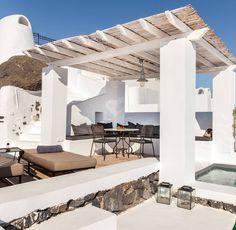 Probably our most popular suite #pergola #jacuzzi #thevasilicos #summer #holidays #santorini #dreamscometrue
