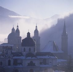 Are you planning an event in Salzburg? Then try out our venue finder! The possible locations are stunning and the choice is yours! Salzburg, The Province, Mice, Event Planning, Taj Mahal, Hotels, Travel, Viajes, Computer Mouse