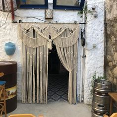 Macrame Mirror, Macrame Curtain, Macrame Art, Boho Curtains, Macrame Projects, Macrame Knots, Wall Curtains, Wall Hanging Designs, Woven Wall Hanging