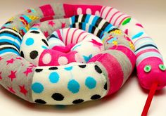 zoknik, harisnyák új élete huzatfogó kígyóként