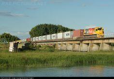 RailPictures.Net Photo: 5120 Kiwi Rail DXB at Napier, New Zealand by William Rutgers