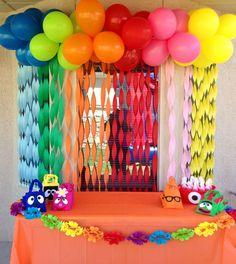 christmas cake decorating ideas easy simple birthday decorations for men 3 birt. Monster Birthday Parties, Rainbow Birthday Party, First Birthday Parties, Birthday Party Themes, Monster Party, Birthday Ideas, Rainbow Parties, Elmo Birthday, Dinosaur Birthday