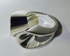 Pekka Piekäinen for Auran Kultaseppä Oy (FI), vintage minimalist sterling silver ring, 1974. #finland | finlandjewelry.com