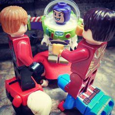 Are you Kidding me ? #lego #legostagram #legos #legophotography #legographerid #brick #bricknetwork #brickcentral #minifigures #afol #instagram #instagood #instatoys #instapic #likeforlike #likeforfollow #like4like #like4follow #toys #toyphotography #superheroes #marvel by rakanko17