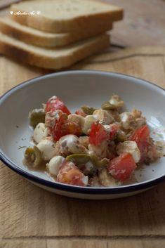 Karcsúsító tonhalsaláta, ami feldobja a napodat | Az otthon szépsége Mozzarella, Potato Salad, Potatoes, Ethnic Recipes, Food, Red Peppers, Potato, Essen, Meals