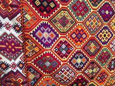 Cretan textiles Greece Art, Pattern Design, Design Color, Arts And Crafts, Diy Crafts, Ancient Greece, Crete, Bohemian Rug, Textiles