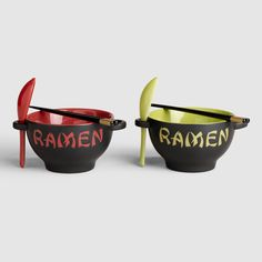 Your oodles of noodles gets the whole kit and caboodle with our ultra hip bowl, chopsticks and spoon set. This Red Ramen Bowl and Green Ramen Bowl combo with microwave and dishwasher safe bowls and spoons are definitely a dorm room necessity.