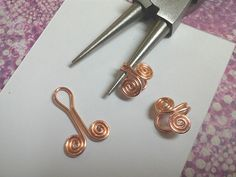 How to make Egyptian coils and attach them together. #Wire #Jewelry #Tutorial
