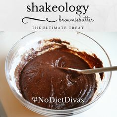 feel free to lick the spoon 🙂 shakeology brownie batter! feel free to lick the spoon :-] 21 Day Fix Desserts, Clean Eating Desserts, Protein Shake Recipes, Smoothie Recipes, Fudge, Chocolate Protein Shakes, Chocolate Chocolate, Chocolate Mouse, Homemade Chocolate