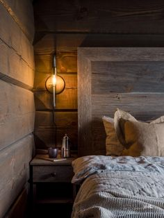 Mountain Cottage, Bedroom Bed, Bedrooms, Rustic Elegance, Log Homes, Light In The Dark, House Styles, Furniture, Home Decor