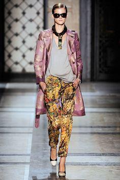 Dries Van Noten Spring 2010 Ready-to-Wear Fashion Show - Kasia Struss (Women)