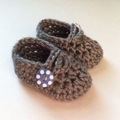 Crochet Shoes Baby Booties NEWBORN 0-3 Months Grey by PamelaLiz